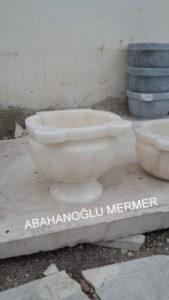 ayaklı beyaz mermer kurna ku-1030 ölçüleri : 45x35 cm fiyatı : 375 tl