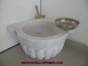 Kavun Dilimli Mermer Köşe Kurnası ku-30 ölçüleri : 45x25 cm fiyatı : 450 tl